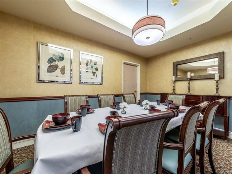 Restaurant Style Dining at Cogir of Mill Creek, Mill Creek