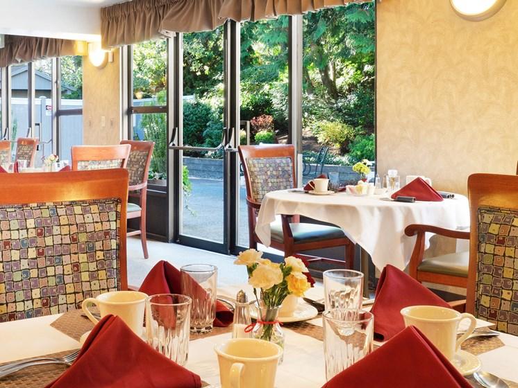 Elegant Dining table at Cogir of San Rafael Memory Care, California, 94903