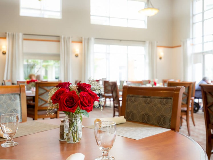 Restaurant Style Dining at Cogir of Queen Anne, Washington