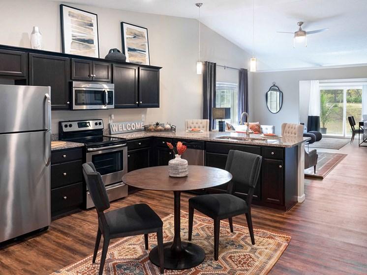 Holt MI Apartment Rentals Redwood Holt Gallery Forestwood Kitchen To Den