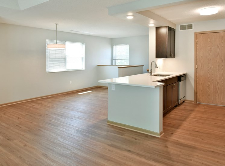 Large 1 bedroom townhome