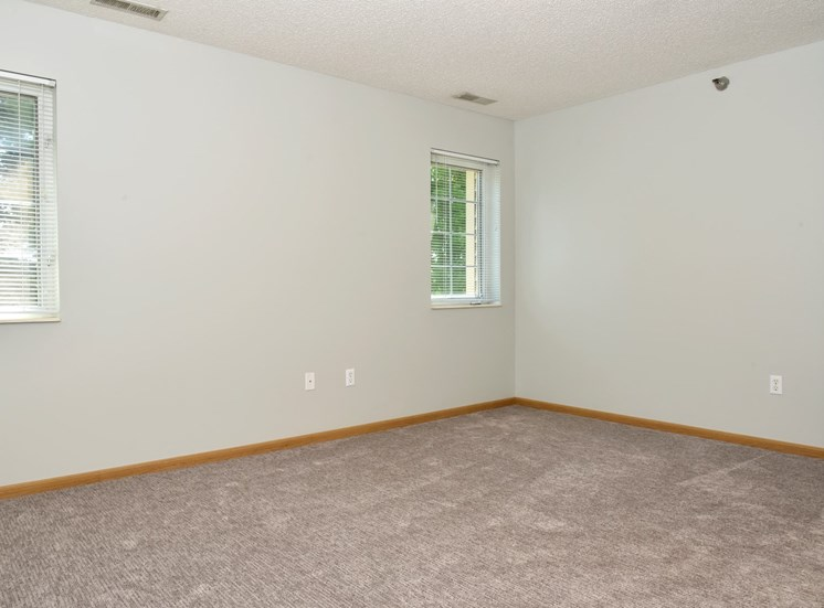1 bedroom with upgraded carpeting