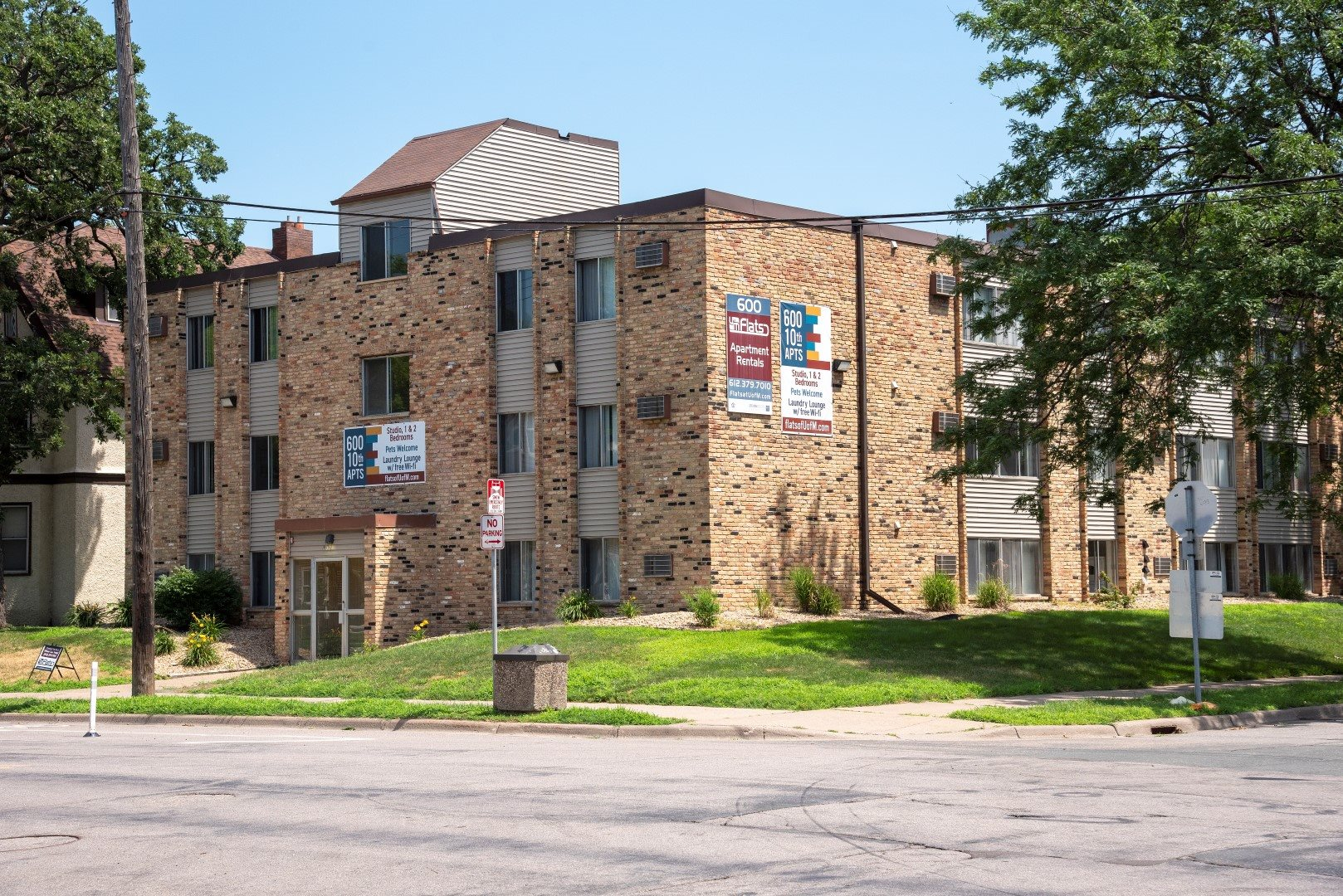 Convenient location just blocks from the U of M and on bus line.
