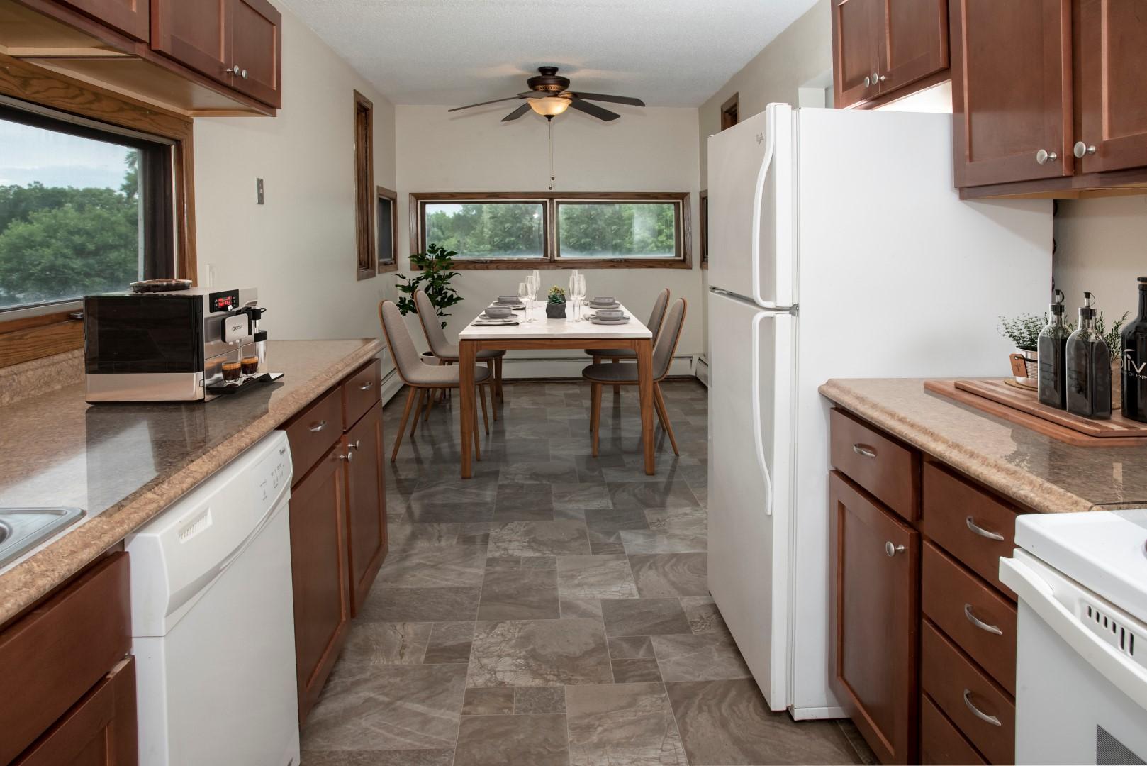 Bass Lake Crossing kitchen