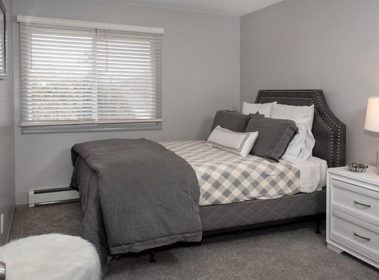 2 bedroom 1 bath - 2nd bedroom with queen bed and nightstand