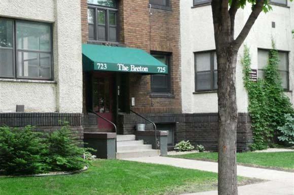 Breton Apartments in Minneapolis, MN Exterior 2