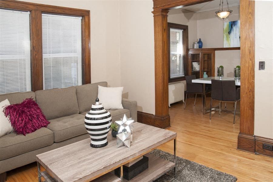 Breton Apartments in Minneapolis, MN Living Room