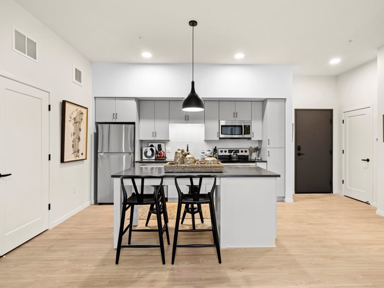 Gourmet Kitchen With Island at The Hill Apartments, Minnesota, 55103