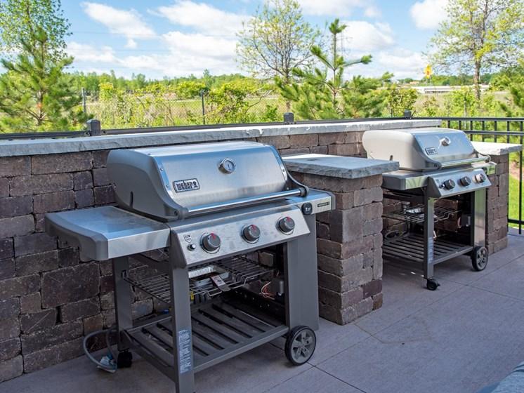 Patio community grills at The SIxton Shakopee MN