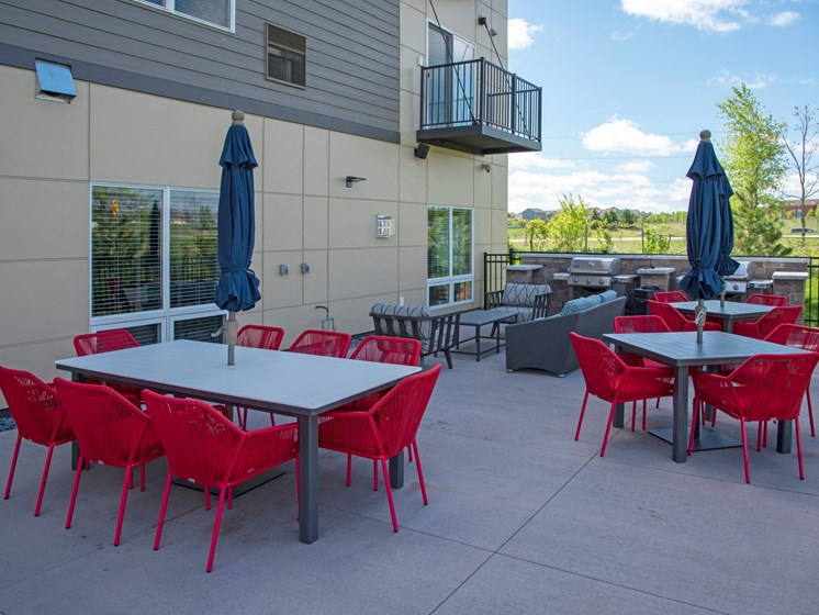 Community patio and grills at The Sixton, Shakopee, MN 55379