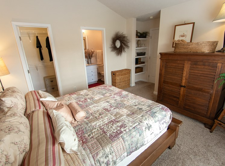This is a photo of the master bedroom in the 1016 square foot, 2 bedroom Nautica floor plan at Nantucket Apartments in Loveland, OH.