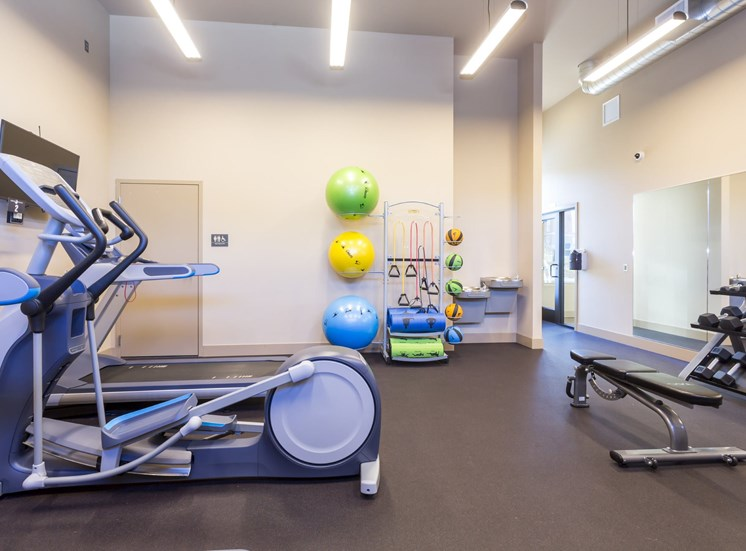 24/7 Fitness Studio