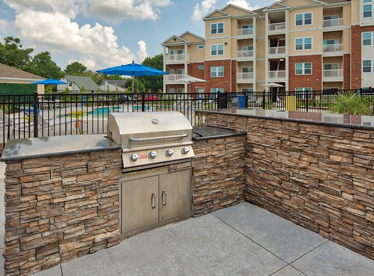 Outdoor grill at The Choices at Holland Windsor