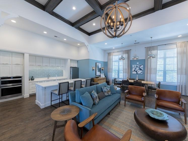 Sydney Trace | Jacksonville, FL | Clubroom