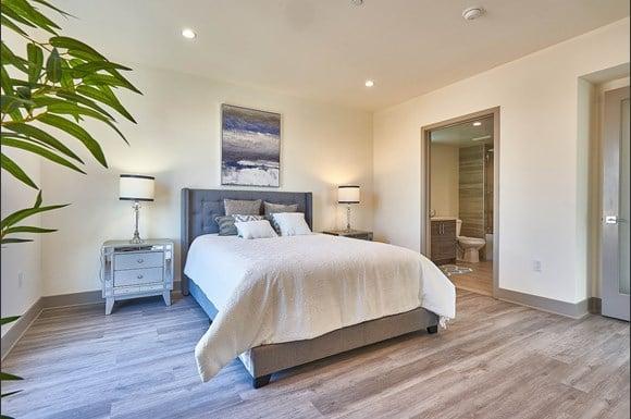 Modern Apartment at 4847 Oakwood Ave. Los Angeles, CA