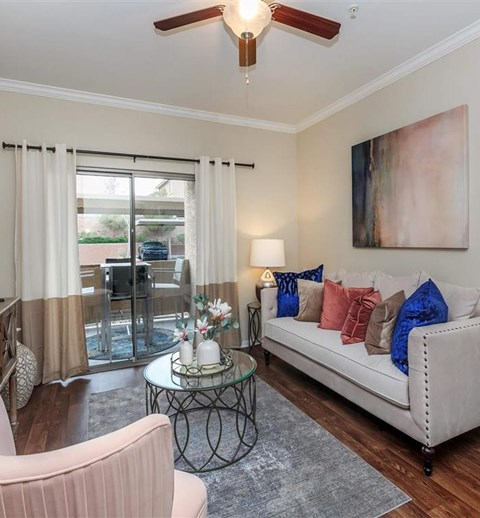 Expansive Montecito Pointe Living Room in Nevada Apartment Homes