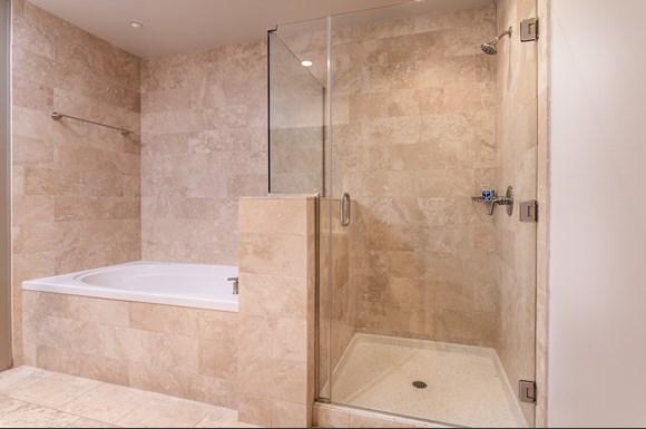 Westwood Luxury Apartments Wilshire Victoria  2bd bath2