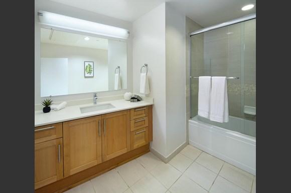 Furnished Westwood Apartments mysuite at Wilshire Margot Co Living Shared Bathroom