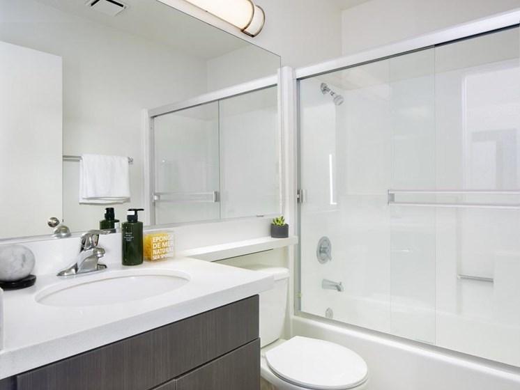 Northridge-Luxury-Apartment-Interior-Bathroom