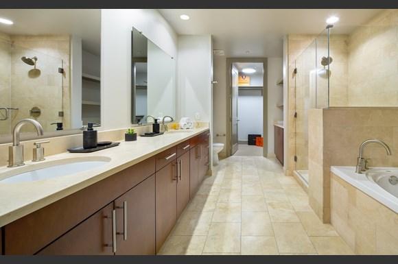 Westwood Luxury Apartments Wilshire Victoria Unit 401 Bathroom