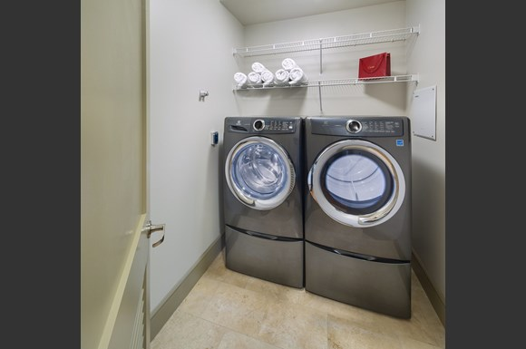 Westwood Luxury Apartments Wilshire Victoria Unit 502 Laundry Room Washer And Dryer