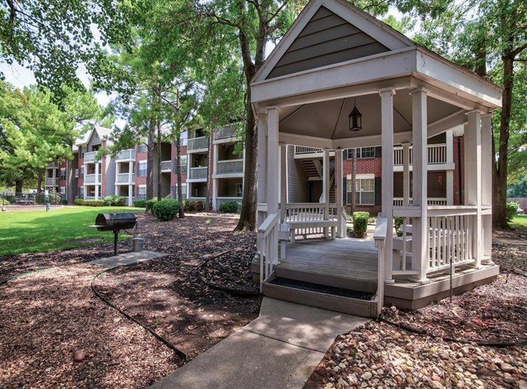 Gazebo with BBQ at Greenbriar in South Tulsa, OK, For Rent. 1 and 2 bedroom apartments available.