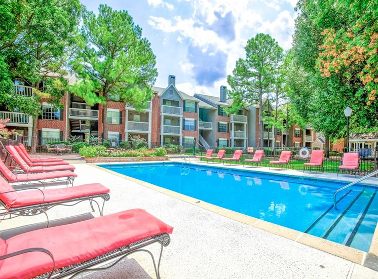 Huge pool at Greenbriar in South Tulsa, OK, For Rent. Now leasing 1 and 2 bedroom apartments.