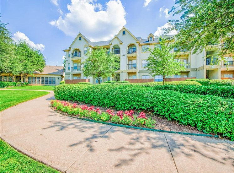 Lush landscaped Tuscany Square Apartments in North Dallas, TX, For Rent. Now leasing Studio, 1 and 2 bedroom apartments.