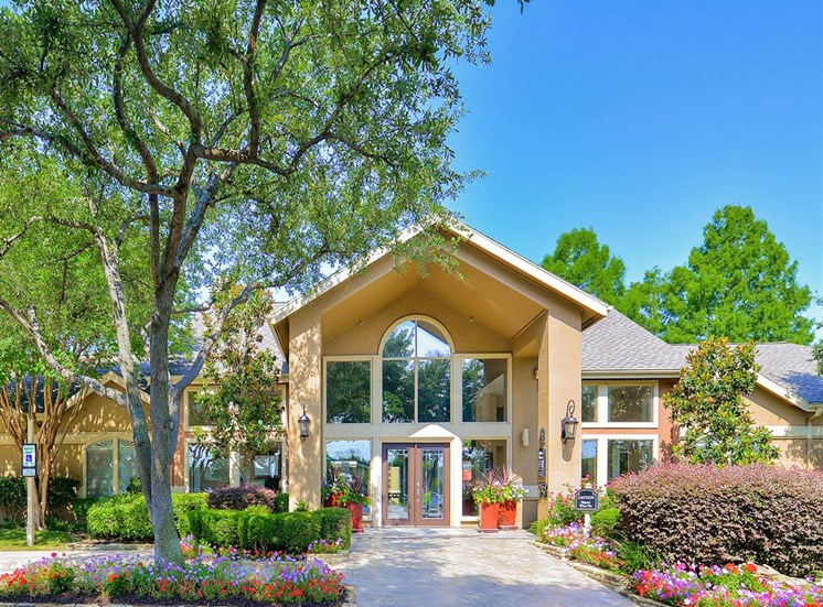 Spacious grounds at the entrance to The Winsted at Valley Ranch in Irving, TX, For Rent. Now leasing 1 and 2 bedroom apartments.