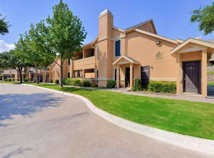 Quiet neighborhood at The Winsted at Valley Ranch in Irving, TX, For Rent. Now leasing 1 and 2 bedroom apartments.