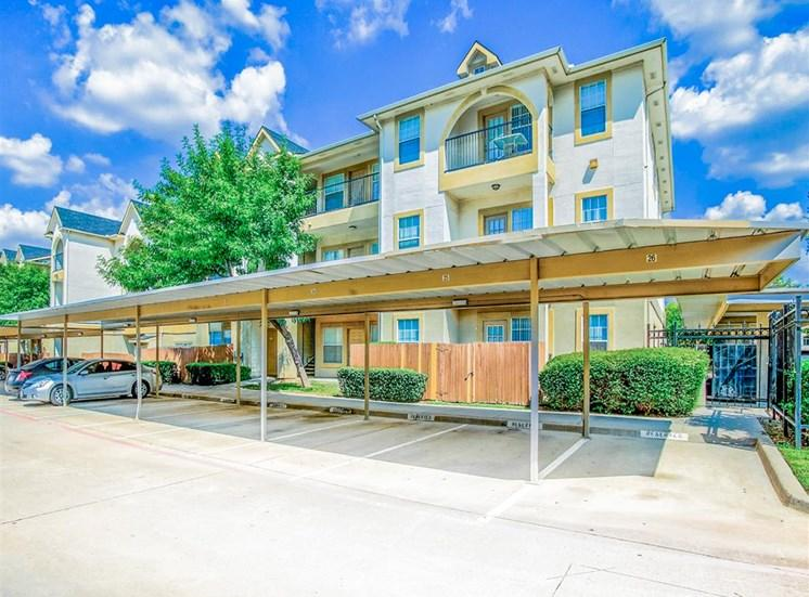 Covered carports at Tuscany Square Apartments in North Dallas, TX, For Rent. Now leasing Studio, 1 and 2 bedroom apartments.