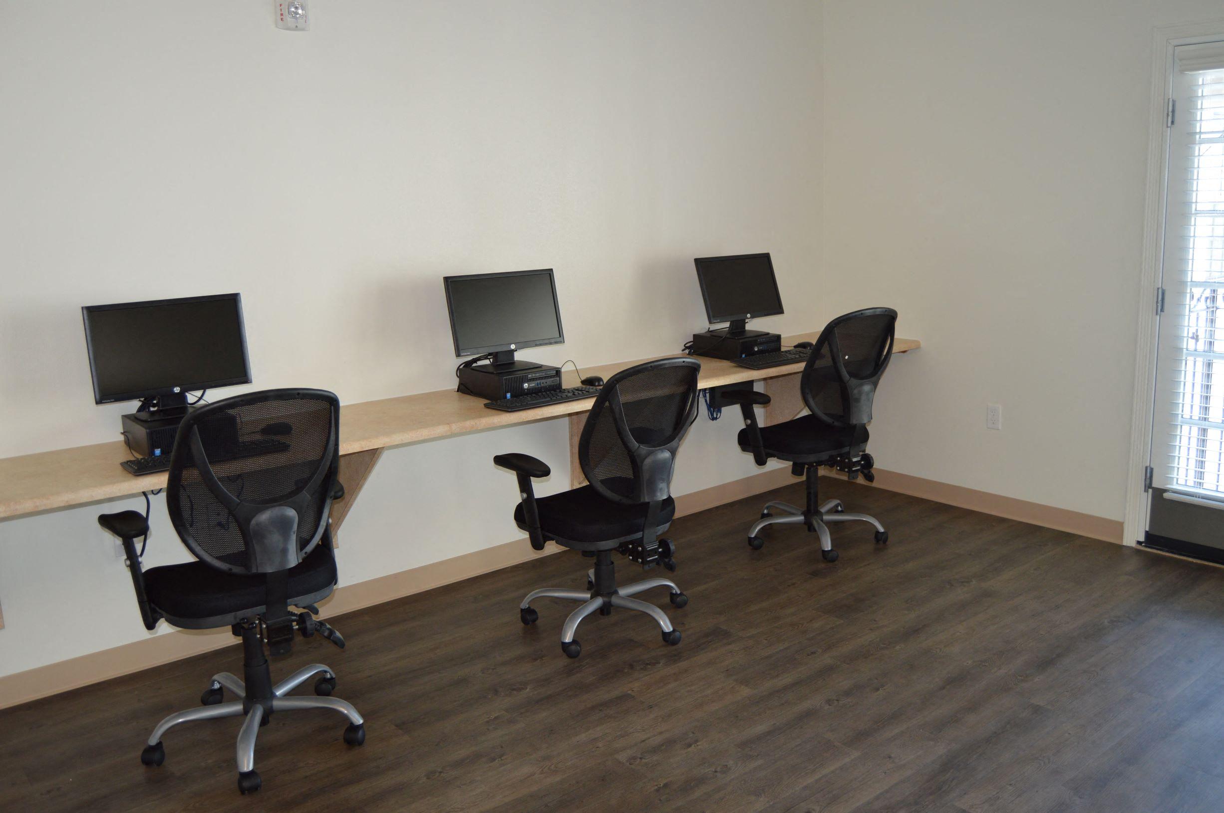 Las Palmas Village Computer Room