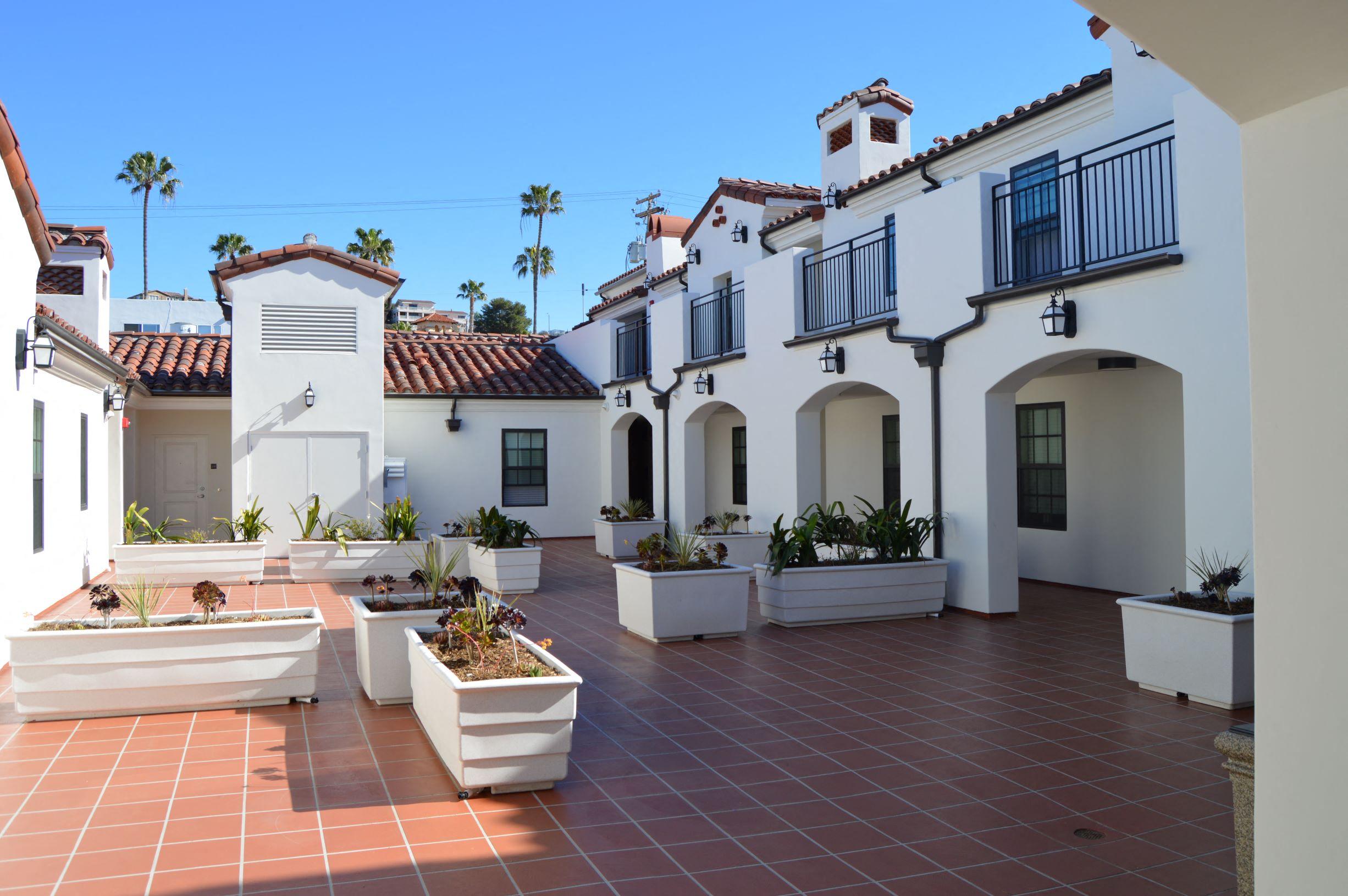 Las Palmas Village Courtyard