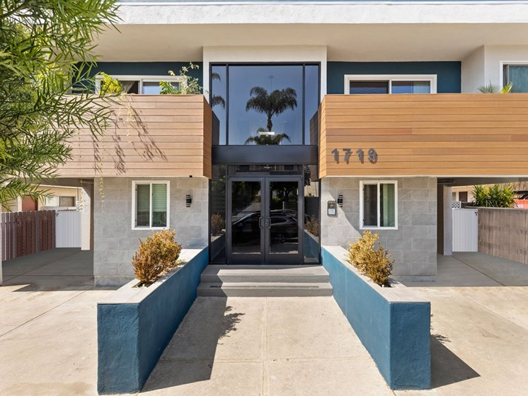 Front Entrance of Federal Ave Apartments in Sawtelle, California