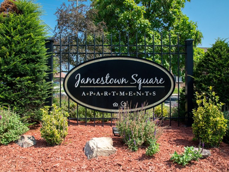 Welcome to Jamestown Square