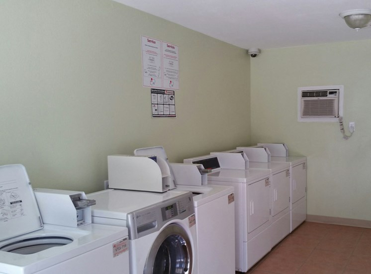 Vah-ki Court Laundry room