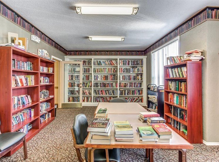 Library with chairs and large table