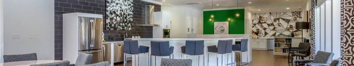 Clubhouse Lounge with Kitchen and Breakfast Bar