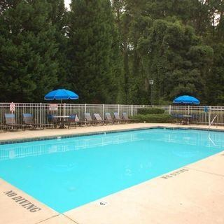 Swimming Pool and Sun Deck at Parkview Apartments, Huntersville, 28078