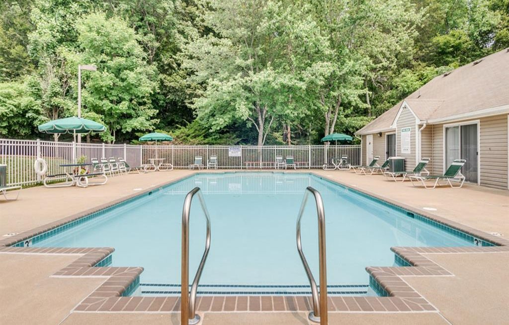 Resort-Style Pool at Stonegate Apartments, Virginia, 22554