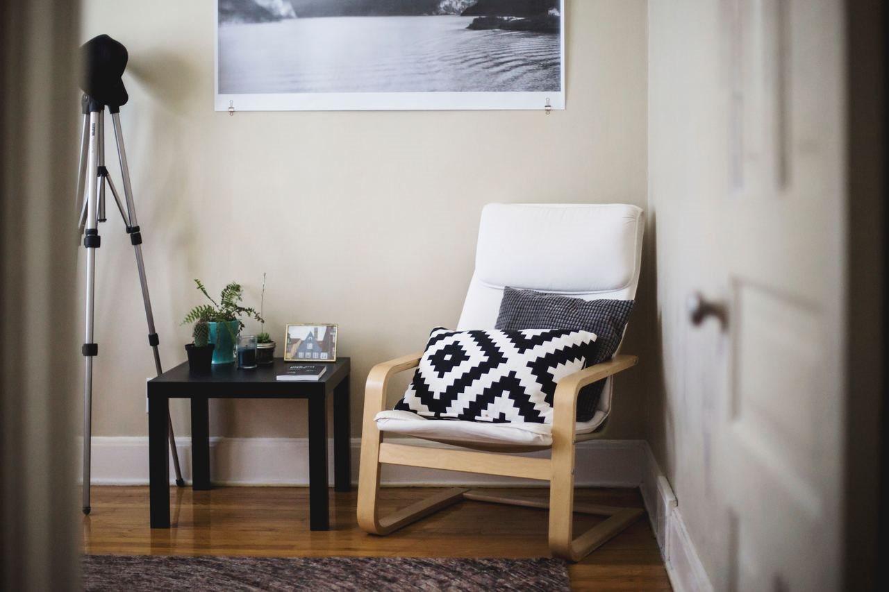 Armchair  at Autumn Ridge Apartments, Memphis