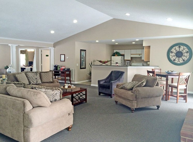 Ample Sitting Space In Clubhouse at Autumn Wind Apartments, Virginia