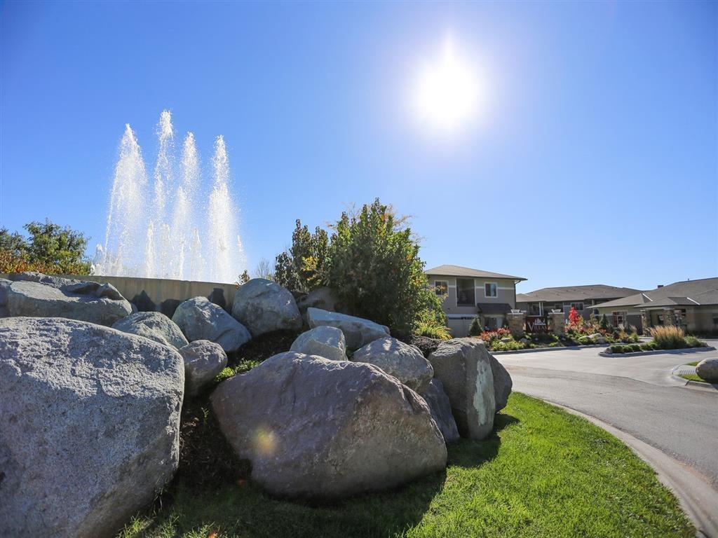 fountain at Villas at Wilderness Ridge in Lincoln Nebraska