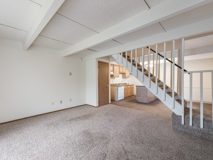 Carpeted Living Area at Chatham Village Apartments, Ohio