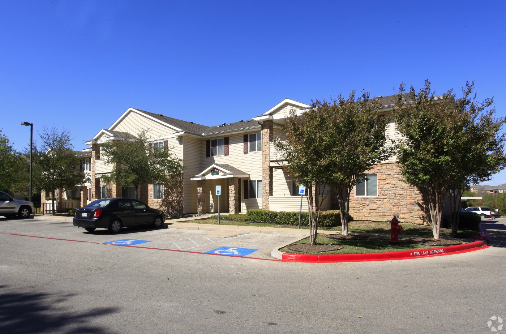 Building Front View at Parkwood Terrace, Round Rock, Texas