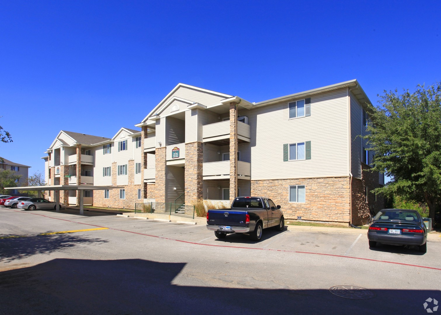 Off Street Parking at Parkwood Terrace, Round Rock, 78664
