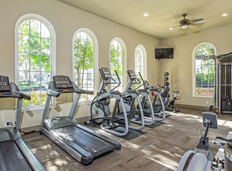 Fitness Room l Hidden Valley Apartments in Simi Valley Ca