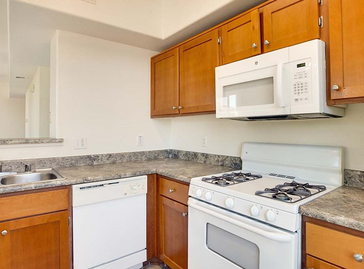 Kitchen l Hidden Valley Apartments in Simi Valley Ca
