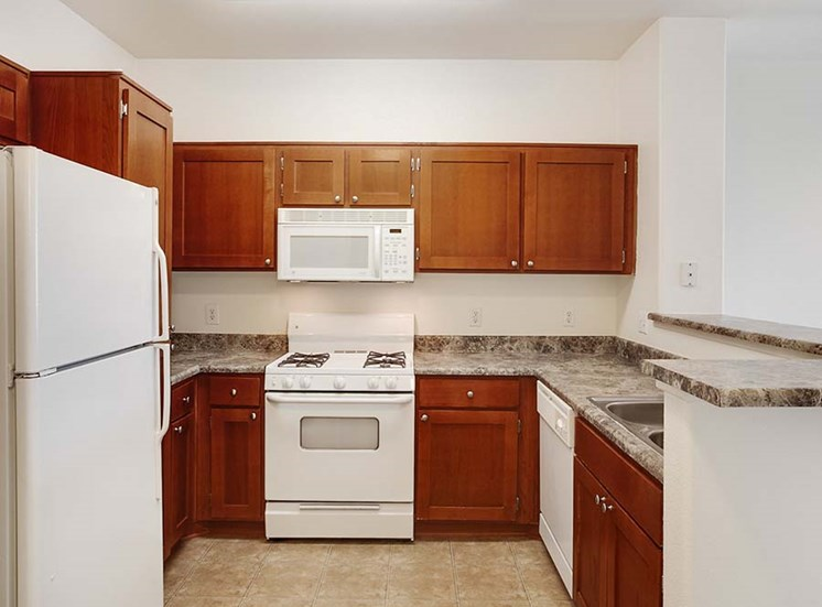 Kitchen l Simi Valley, CA Apartments For Rent