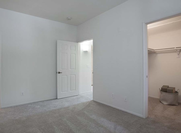 Bedroom and closet l Simi Valley, CA Apartments For Rent